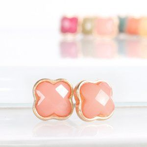 Blush Clover Shaped Stud Earrings